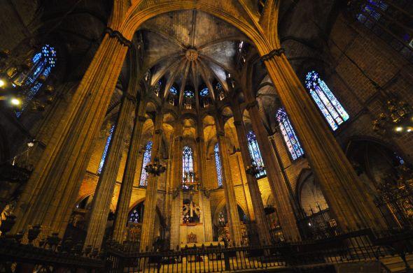 Le choeur de la cathédrâle de Barcelone, ciselé dans le plus pur style gothique.