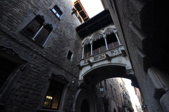 Barcelone et son charme gothique : carrer del Bisbe