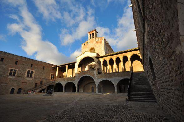 La cour d'honneur du Palais des rois de Majorque