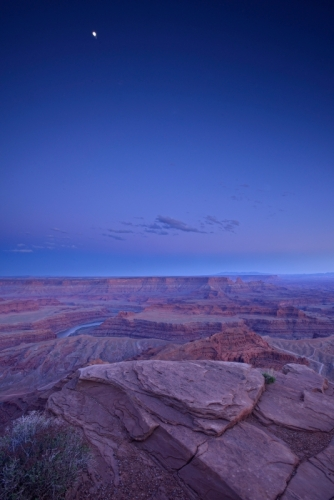 Dead Horse Point moon after sunset