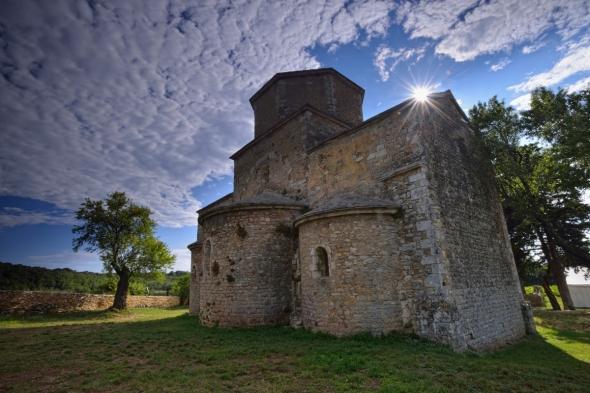 église Saint-Pierre de Larnas Ardèche église romane