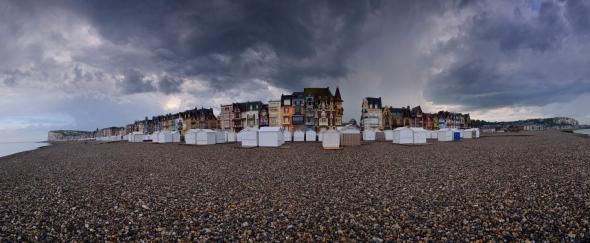 Ciel d'orage plage esplanade mers-les-bains