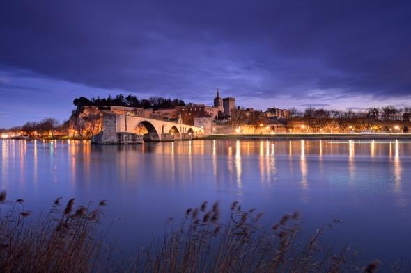 Avignon by night de nuit nuit bleue berges du rhône pont bénézet