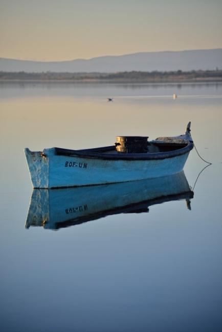 Barque de pêcheur étang de Canet-en-Roussillon