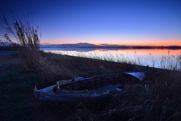 Etang de Canet barques de pêcheurs Canigou coucher de soleil